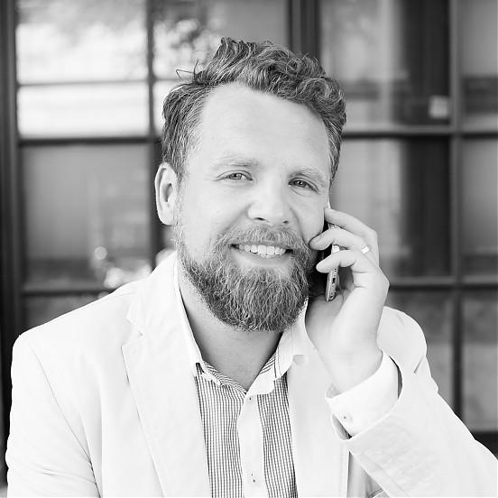 Paweł Miklaszewski, Partner w Agencji Walk